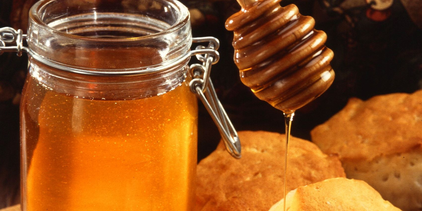 The Top 6 Raw Honey Benefits
